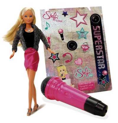 Steffi Love Superstar cantante